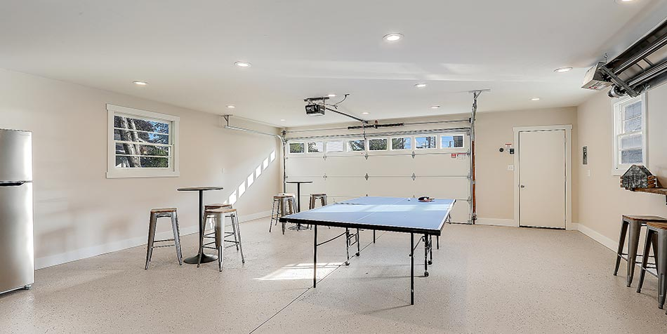 1086 Shadow Lane garage pong