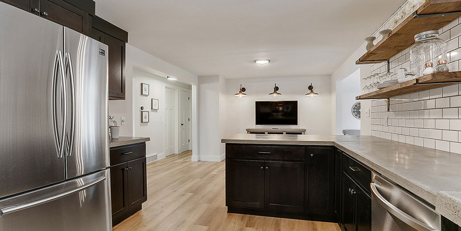 1086 Shadow Lane kitchen view