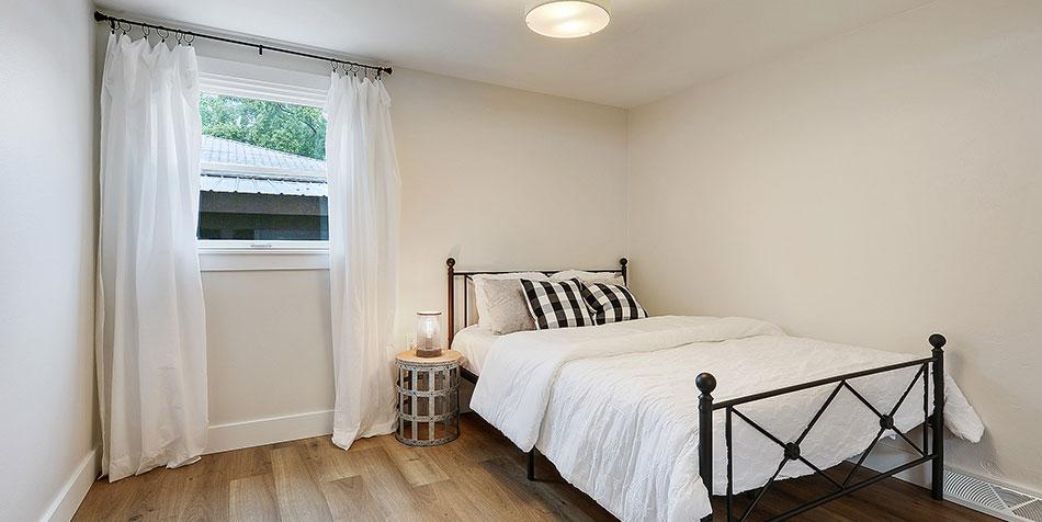 1086 Shadow Lane white curtian bedroom
