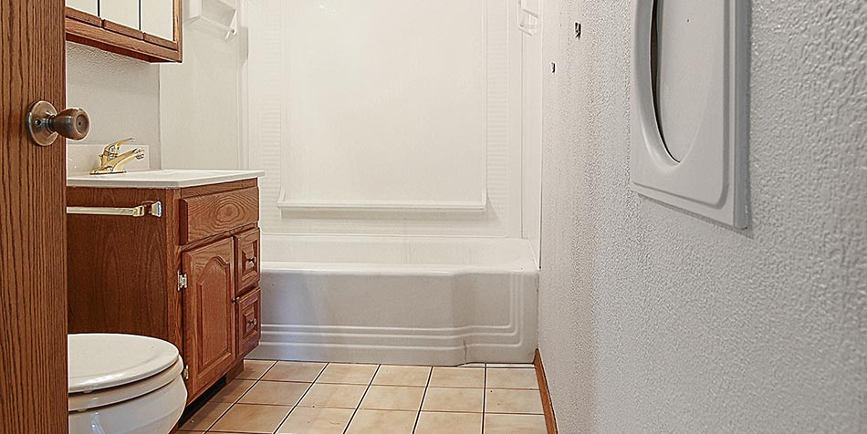 1115 Wilson Avenue Bathroom