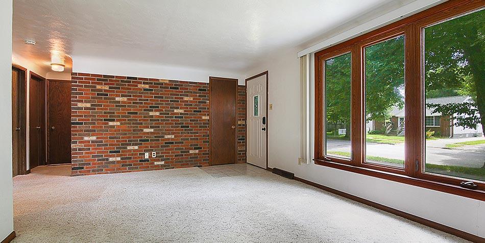 1115 Wilson Avenue Interior Front