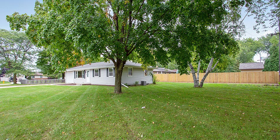 2101 Elm View Drive Exterior Yard