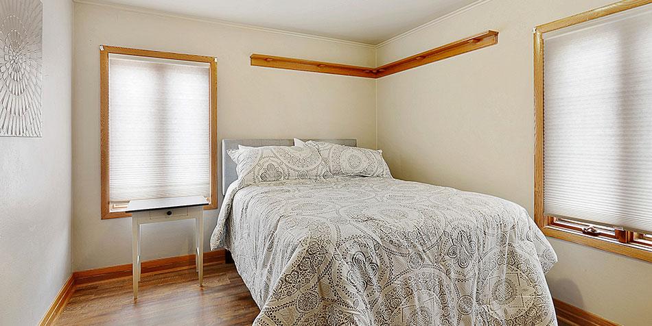 821 Royal Boulevard Bedroom
