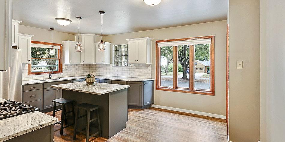 821 Royal Boulevard Kitchen