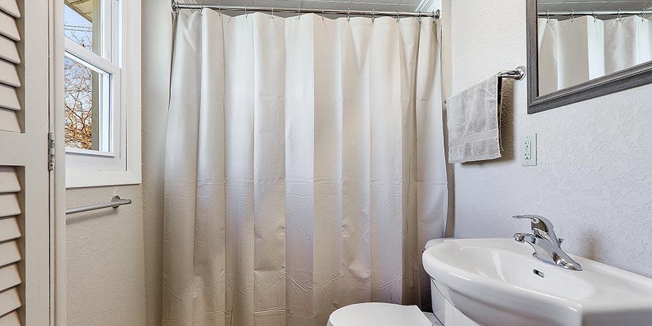 1014 4th Street Bathroom Shower
