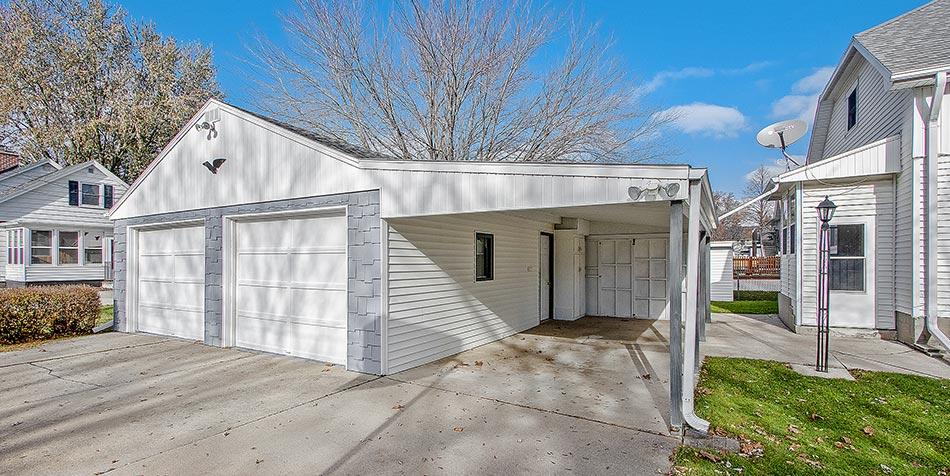 1014 4th Street Exterior Garage