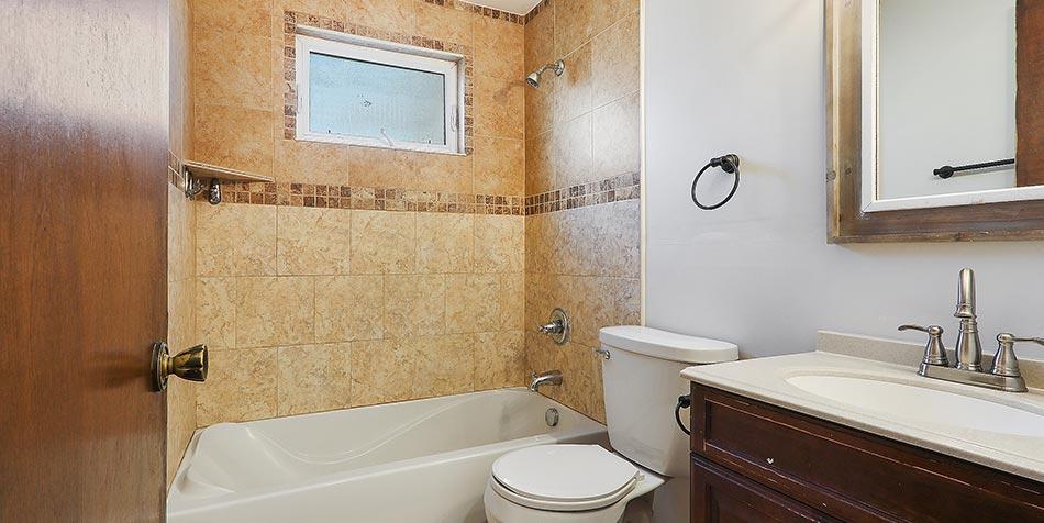 2153 Gilson Court Bathroom