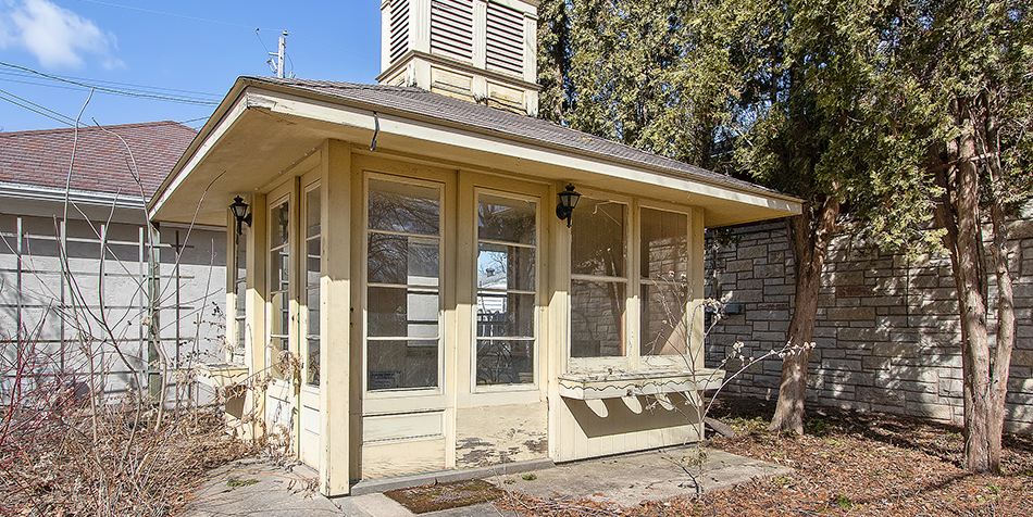 821 Royal Boulevard - Pool House